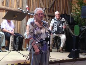 Ann-Marie sjöng och läste dikt
